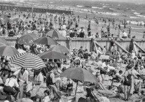 beach scene 1927