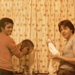 Michael Jackson and Paul McCartney washing dishes